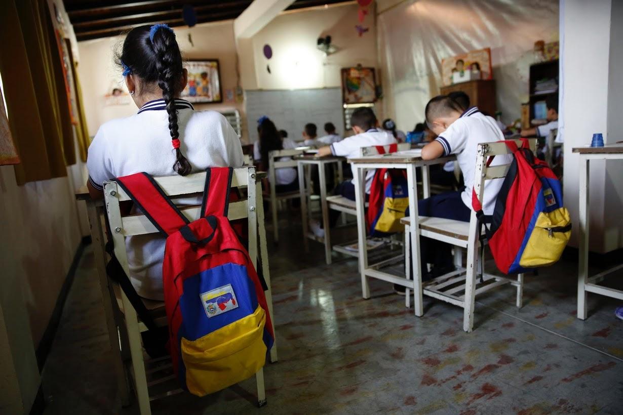 Resultado de imagen para deserción escolar en venezuela